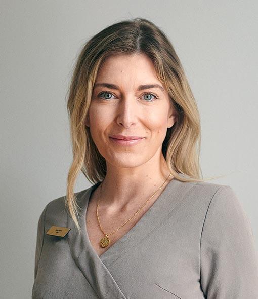 Anne Schow